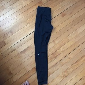 Navy fleece lined lululemon leggings